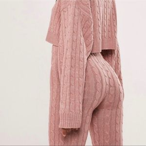 Missguided Rose Cable Knit Leggings size Small-Med